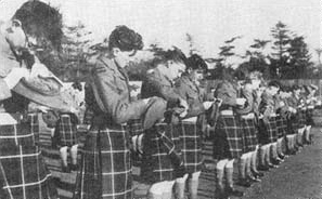 Amalgamation Day 1962: 1st Bn Seaforth Highlanders rebadging to Queen's Own Highlanders – not a sporran in sight...